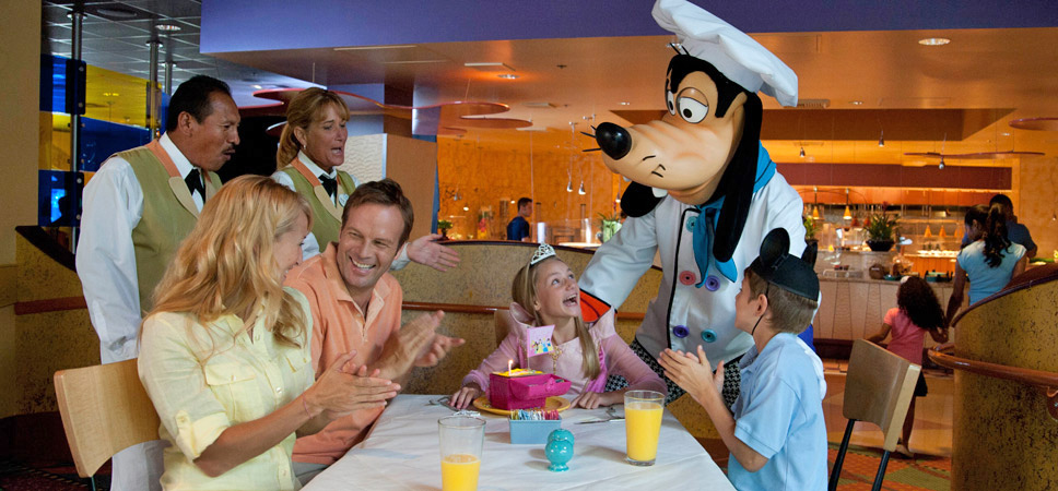 disneyland-hotel-goofys-kitchen-968x450-02