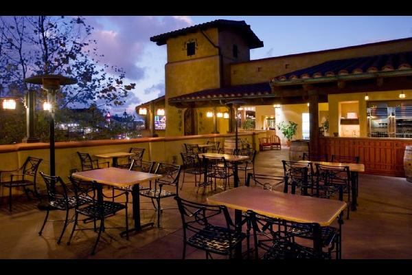 alfresco-lounge-golden-vine-winery-6012