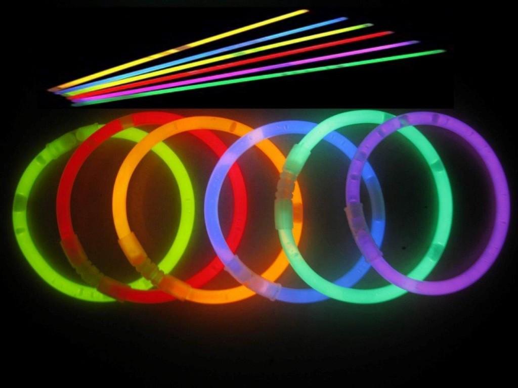 Glow-Sticks-1024x768