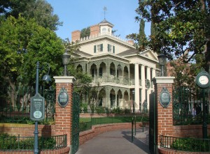 Haunted-Mansion-exterior-April-2007