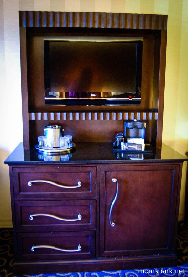 Disneyland-Hotel-Dresser-2-copy