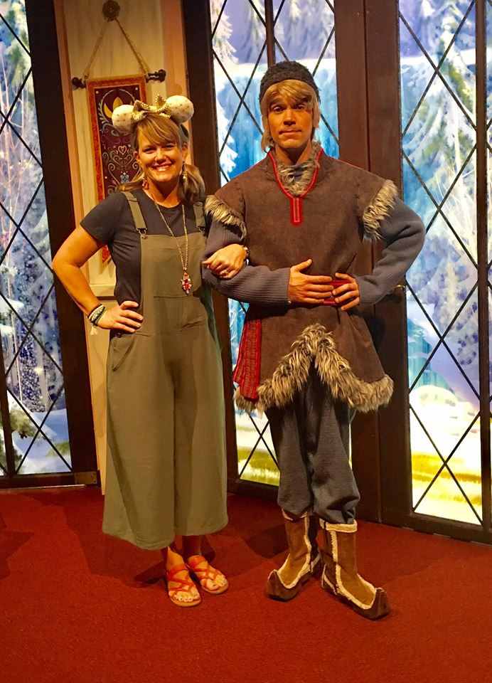 Frozen live at the hyperion theater how to meet anna and elsa here he is m4hsunfo
