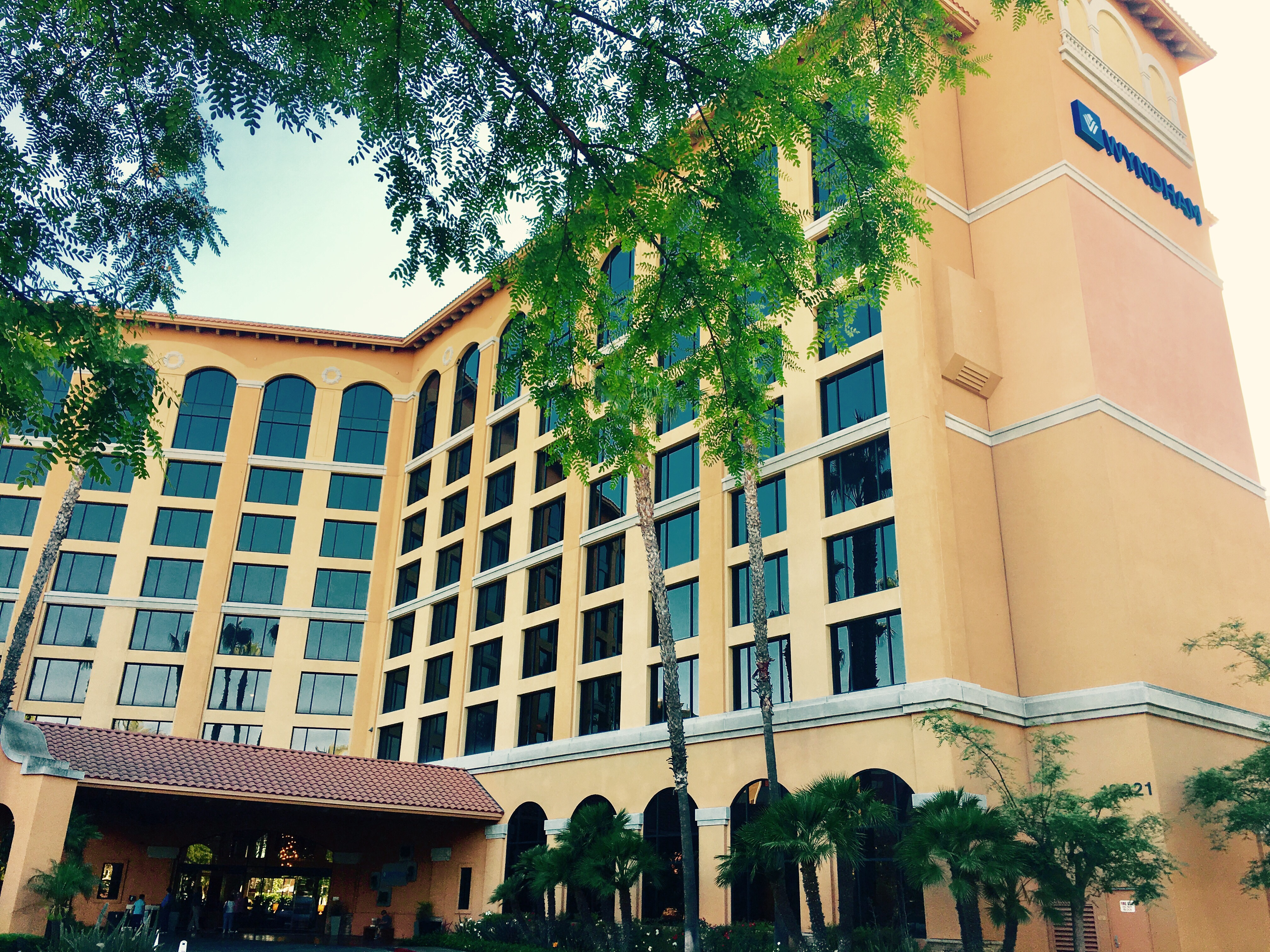 Off Site Hotels at Disneyland | Disneyland Daily
